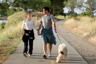 When frequent pains in the back, you will need to replace active exercise, walks in the fresh air